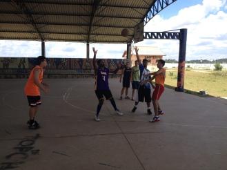"""""""Turma do basquete"""" continua usando o espaço"""